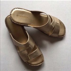 🆕 Naturalizer Gold Slides